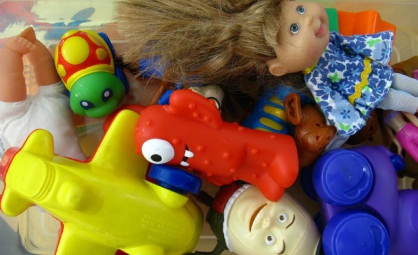 Як киця Багіра помирила Роксолану з її іграшками